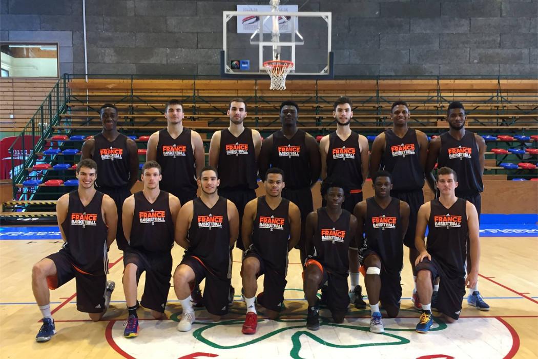Brun Avec L Equipe De France U20 Chorale Basket Roanne